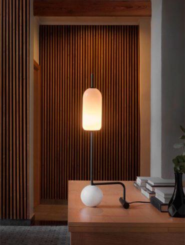 Lámpara de mesa FUNN de AC Studio