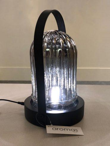 Lámpara de mesa MOND de Aromas