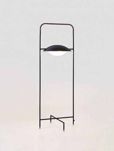 Lámpara de pie WONG de Aromas